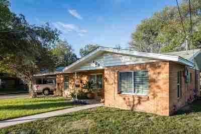 Brackettville, Del Rio, Comstock Single Family Home ACTIVE: 109 Cordona Street