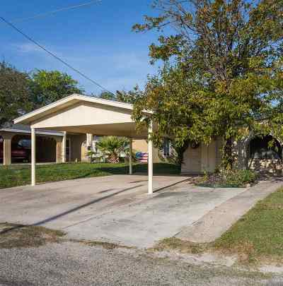 Brackettville, Del Rio, Comstock Single Family Home ACTIVE: 1803 Ave C
