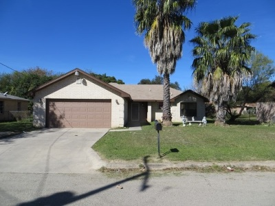 Brackettville, Del Rio, Comstock Single Family Home ACTIVE: 109 Serafini Dr