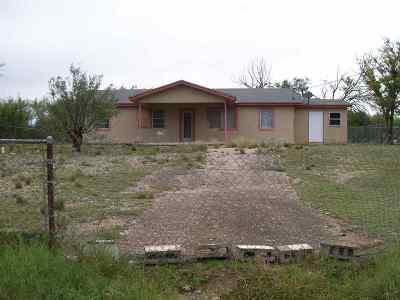 Brackettville, Del Rio, Comstock Single Family Home ACTIVE: 616 Jeffrey Dr.