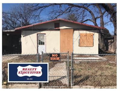 Brackettville, Del Rio, Comstock Single Family Home ACTIVE: 206 Bean St
