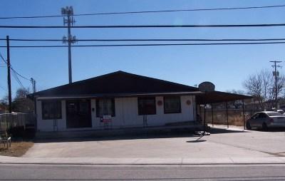 Brackettville, Del Rio, Comstock Single Family Home ACTIVE: 107 E De La Rosa