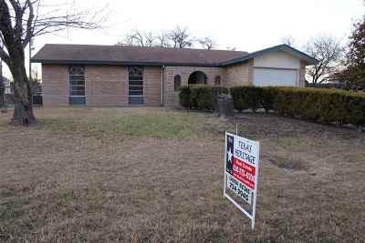 Brackettville, Del Rio, Comstock Single Family Home ACTIVE: 106 Danielle Dr.