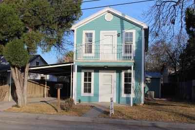Brackettville, Del Rio, Comstock Single Family Home ACTIVE: 1110 W Garza St.