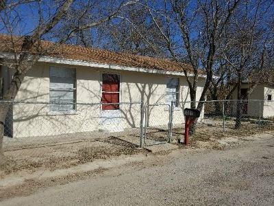 Brackettville, Del Rio, Comstock Single Family Home ACTIVE: 1901 McLymont St