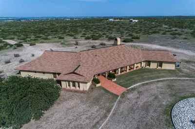 Del Rio Single Family Home ACTIVE: 16632 Us Hwy 90