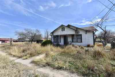 Brackettville, Del Rio, Comstock Single Family Home ACTIVE: 1505 W Garza Street