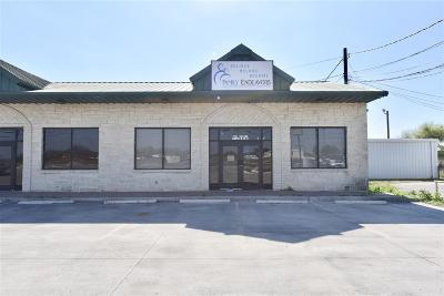 Commercial Lease ACTIVE: 608 Bedell Avenue #c - Rental