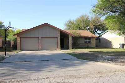 Brackettville, Del Rio, Comstock Single Family Home UNDER CONTRACT-OPTION: 107 Pauline St
