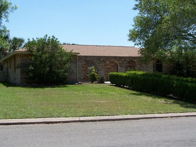 Del Rio Single Family Home NEW: 305 Enchanted Way