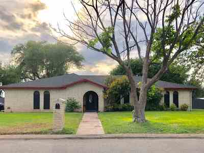Del Rio Single Family Home NEW: 318 Enchanted Way