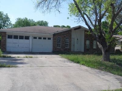 Brackettville, Del Rio, Comstock Single Family Home UNDER CONTRACT-OPTION: 120 Fiesta Dr