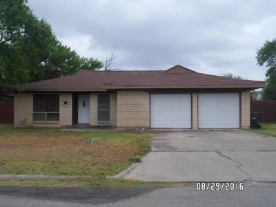 Brackettville, Del Rio, Comstock Single Family Home UNDER CONTRACT-OPTION: 207 Happy Lane