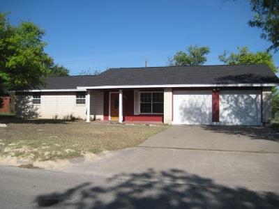 Del Rio Single Family Home ACTIVE: 204 Miller Dr.