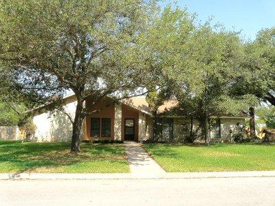 Del Rio Single Family Home NEW: 414 Enchanted Way