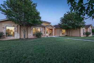 Brackettville, Del Rio, Comstock Single Family Home ACTIVE: 207 Ceniza Ridge Rd.