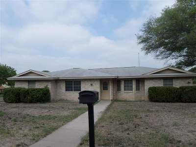 Brackettville, Del Rio, Comstock Single Family Home ACTIVE: 300 Enchanted Way