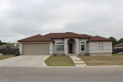 Single Family Home ACTIVE: 104 Running Bear Trail