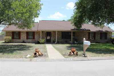 Del Rio Single Family Home ACTIVE: 224 Tomahawk