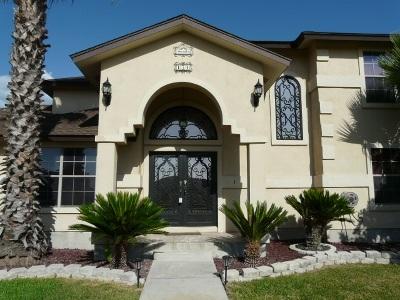 Single Family Home ACTIVE: 150 Windlake Loop