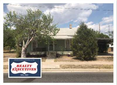 Brackettville, Del Rio, Comstock Single Family Home ACTIVE: 207 N Main