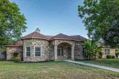 Brackettville, Del Rio, Comstock Single Family Home ACTIVE: 305 Bolner Ln