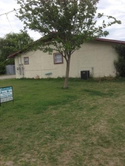 Del Rio Multi Family Home NEW: 116, 118, 124 Gaila Lane