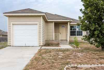 Brackettville, Del Rio, Comstock Single Family Home ACTIVE: 1015 Tesoro Hills