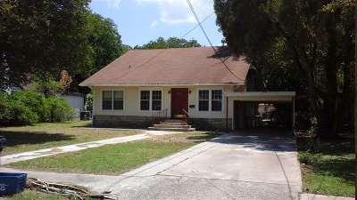 Brackettville, Del Rio, Comstock Rental ACTIVE: 226 W Strickland-Rental