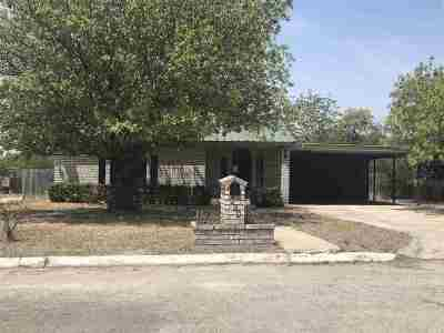 Brackettville, Del Rio, Comstock Single Family Home ACTIVE: 504 Avenue K