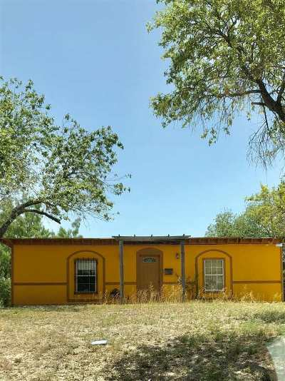 Brackettville, Del Rio, Comstock Single Family Home ACTIVE: 211 Long Drive