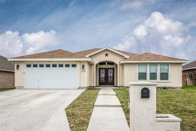 Del Rio TX Single Family Home UNDER CONTRACT-OPTION: $219,000