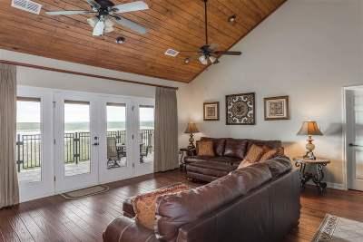 Del Rio Condo/Townhouse ACTIVE: 306 7164 Texas R 2