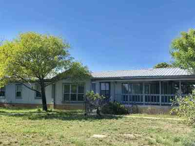 Brackettville, Del Rio, Comstock Single Family Home ACTIVE: 164 Shirley Raye Dr