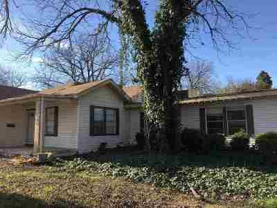 Brackettville, Del Rio, Comstock Single Family Home ACTIVE: 604 Ceniza Street