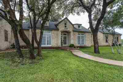 Brackettville, Del Rio, Comstock Single Family Home ACTIVE: 102 Encino Dr