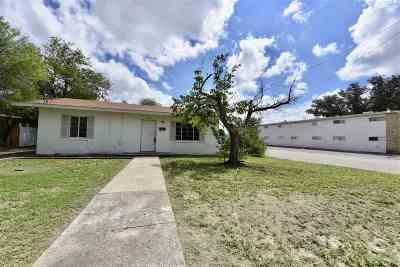 Brackettville, Del Rio, Comstock Single Family Home ACTIVE: 701 E 8th
