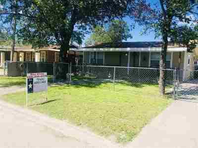 Brackettville, Del Rio, Comstock Single Family Home ACTIVE: 618 E Rodriguez St.