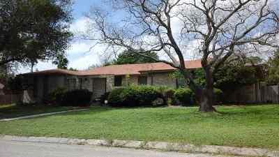 Brackettville, Del Rio, Comstock Single Family Home ACTIVE: 206 Quail Creek