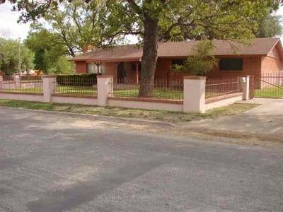 Brackettville, Del Rio, Comstock Single Family Home ACTIVE: 418 W Nicholson