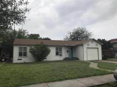 Brackettville, Del Rio, Comstock Single Family Home ACTIVE: 706 Ave C
