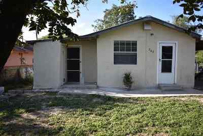 Brackettville, Del Rio, Comstock Single Family Home ACTIVE: 202 E Gutierrez St
