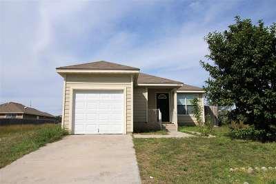Brackettville, Del Rio, Comstock Rental UNDER CONTRACT-OPTION: 1015 Tesoro Hills