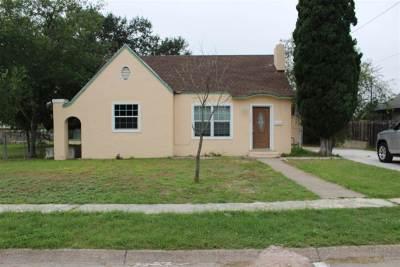 Brackettville, Del Rio, Comstock Single Family Home ACTIVE: 1108 Avenue A