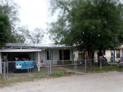 Brackettville, Del Rio, Comstock Single Family Home ACTIVE: 1108 W Chapoy