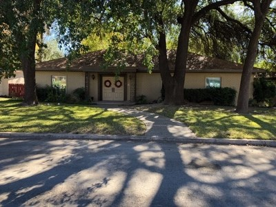 Del Rio Single Family Home ACTIVE: 16 Meadow Lane