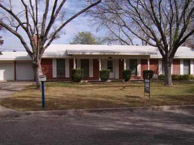 Del Rio Single Family Home NEW: 204 Fox Dr