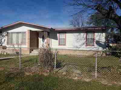 Brackettville, Del Rio, Comstock Single Family Home UNDER CONTRACT-OPTION: 503 Rio Grande St