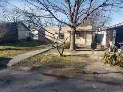 Del Rio Single Family Home ACTIVE: 105 Pine St