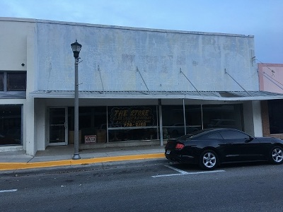 Brackettville, Comstock, Del Rio Commercial ACTIVE: 820 S Main St